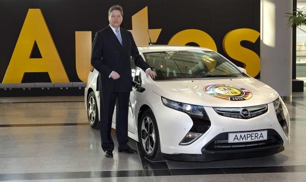 Autom roka 2012 sa stal revolučný elektromobil Opel Ampera.